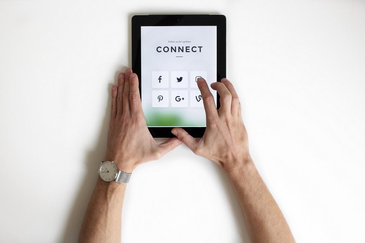 Cada día el número de personas online va aumentando y la mayoría de estas prefieren buscar algún servicio o producto en la red, al contar con un espacio atractivo y funcional para tus clientes, tendrás la ventaja de ofrecerles una mejor experiencia de compra y servicio, lo que será ventajoso frente a tu competencia.