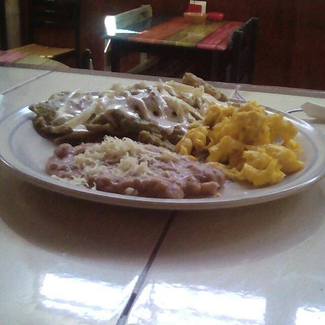 Para que empiezes el dia con un rico desayuno que te dara ganas de no irte , te sentiras en casa.